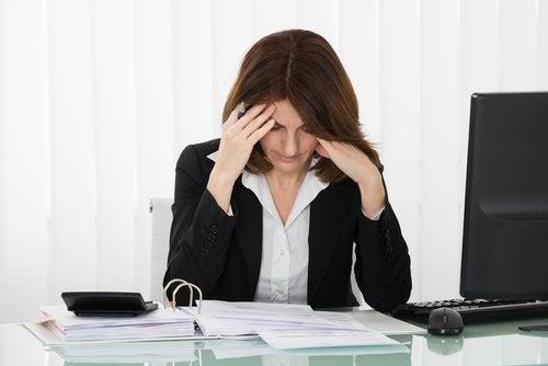 A incerteza emocional afeta o desempenho no trabalho