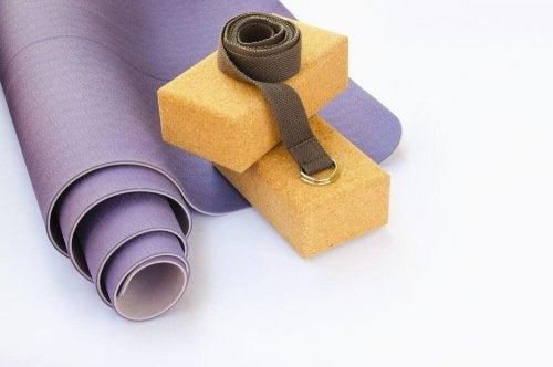 5 coisas imprescindíveis em uma aula de ioga