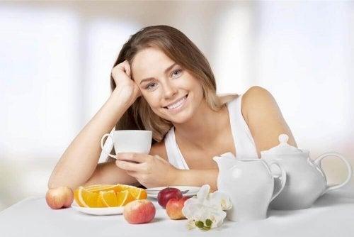 Alimentação saudável com variedade de alimentos