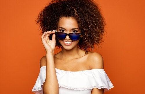 Óculos de sol são sempre tendências em acessórios.