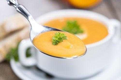 Um dos 10 cardápios para quem tem intolerância à lactose deve conter sopas