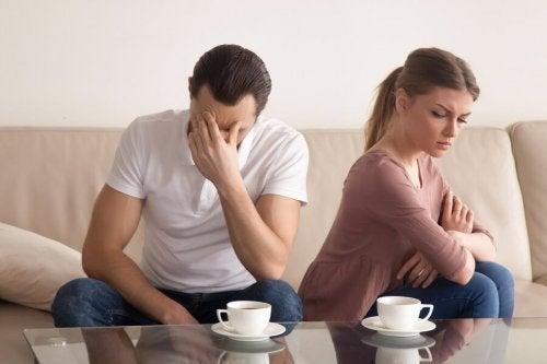 Casal não indo bem na relação