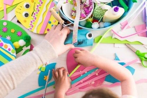 4 brinquedos com papelão e papel: mini golfe