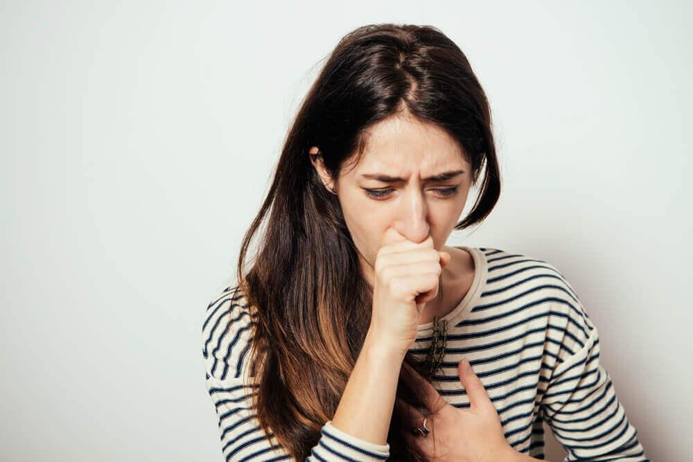 Orégano, malva e tomilho: as plantas para combater a tosse seca
