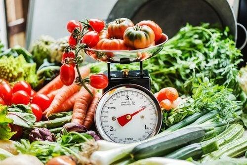 Não pule o café da manhã em uma dieta para perder peso