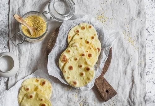 Tortillas para as quesadillas com pera e queijo azul
