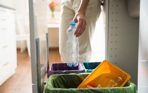 Separar o lixo é uma boa forma de cuidar do meio ambiente
