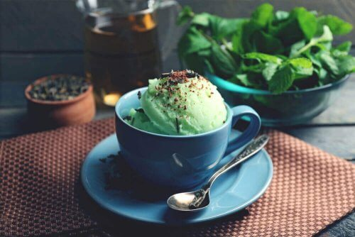 Como preparar um saudável sorvete de chá verde?