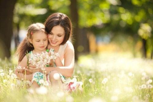Educar uma criança altamente sensível implica em brincar com ela