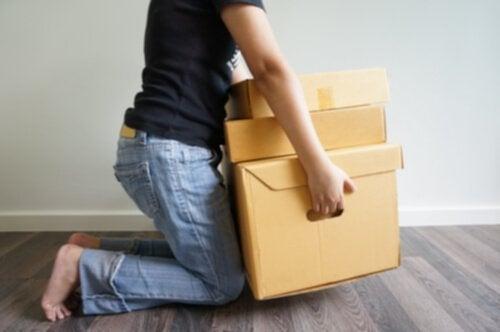 Evitar cargas pesadas para prevenir a artrose