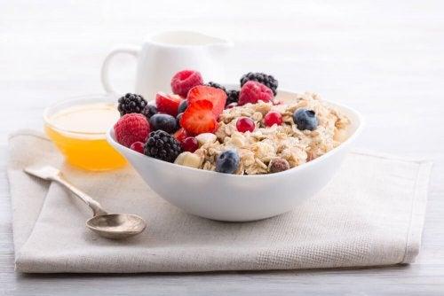 Aveia na gravidez: por que faz bem no café da manhã?