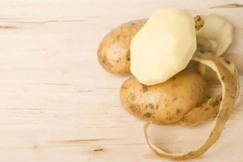 4 remédios com casca de batata