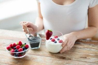 Cafés da manhã com sementes de chia