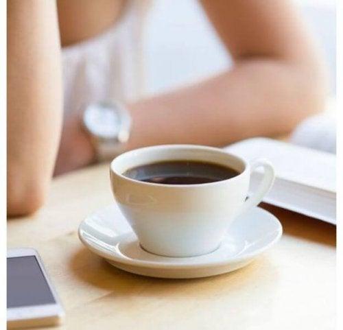 Quanto café tomar? Uma xícara basta?
