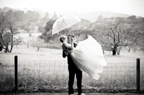 Casal que decidiu casar jovem