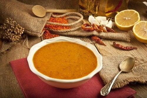 Aprenda a fazer um creme de lentilhas bem fácil!