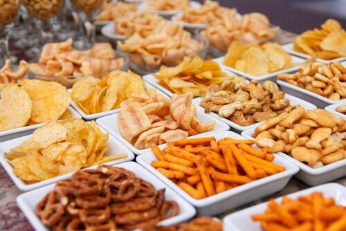 Uma dieta rica em frituras pode piorar a gastrite