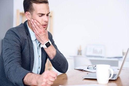 5 remédios caseiros para aliviar a dor na mandíbula
