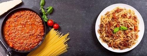 A variante hispanoamericana do espaguete à carbonara