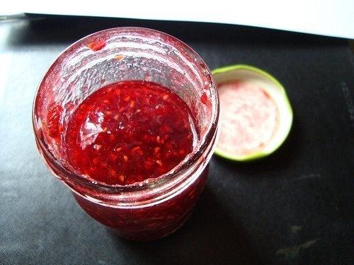 Geleia de frutos vermelhos e sementes