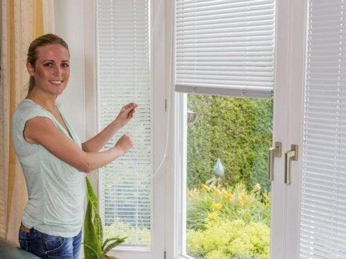 Melhores objetos para limpar persianas