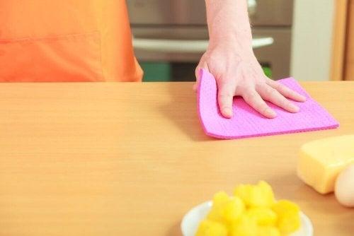 4 maneiras de desinfetar os panos de cozinha