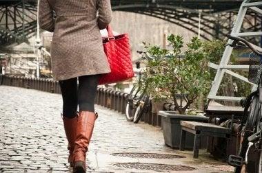 Resolva os problemas de circulação nas pernas caminhando regularmente
