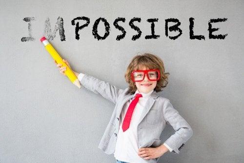 Premira uma criança quando vence obstáculos o encoraja