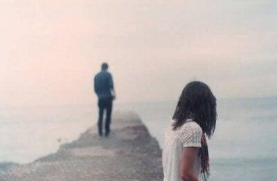 Meu parceiro quer terminar a relação, mas eu não