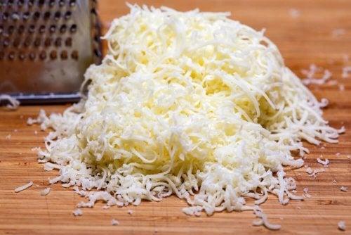 Molho de dois queijos com especiarias