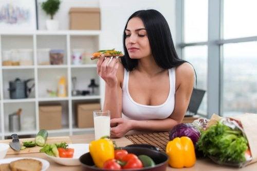 As dietas de baixa caloria incluem verduras