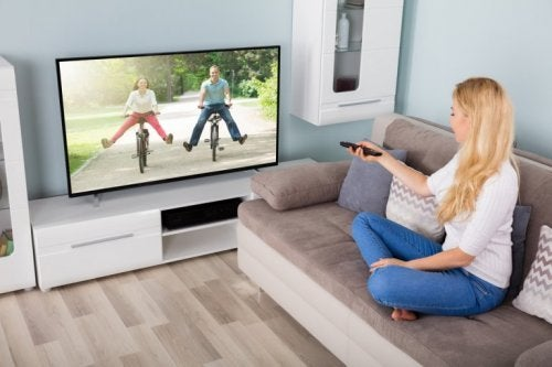 Para assistir TV limpe o televisor