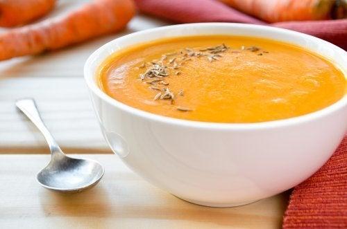 Receitas com vegetais da estação: creme de cenoura