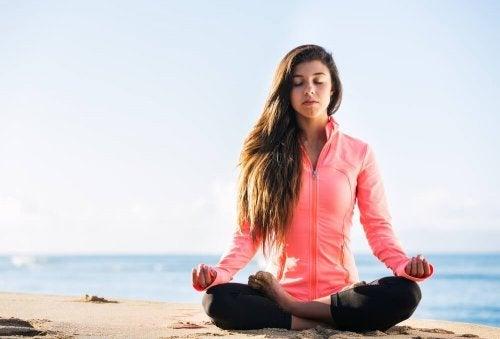 Técnica da respiração para ioga sitali pranayam