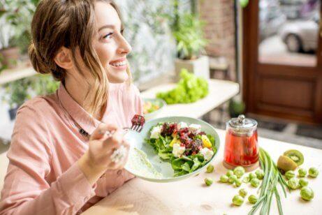 Uma alimentação saudável ajuda a prevenir as estrias nos seios