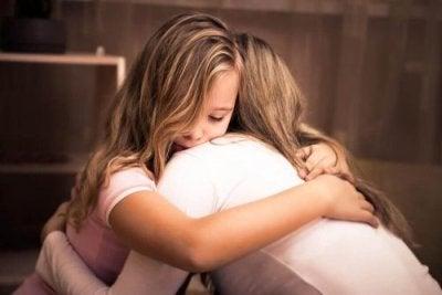 Nas quedas das crianças você deve apoiá-las