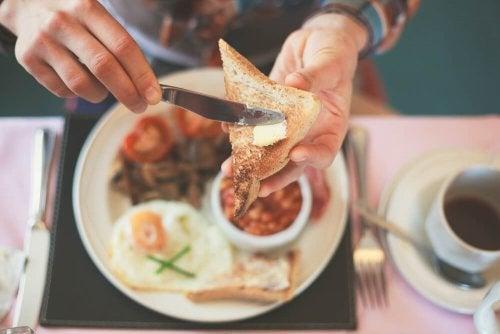 5 mitos sobre o café da manhã saudável