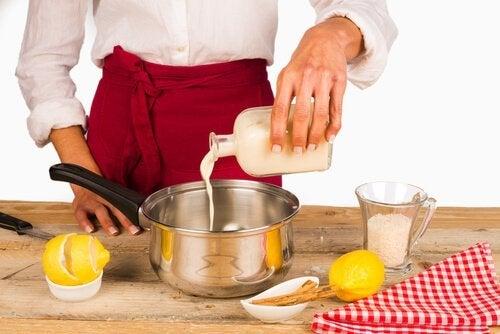 Preparação da receita decanudinhos recheados com creme