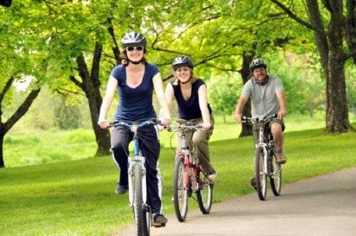 O ciclismo pode diminuir as dores nas articulações