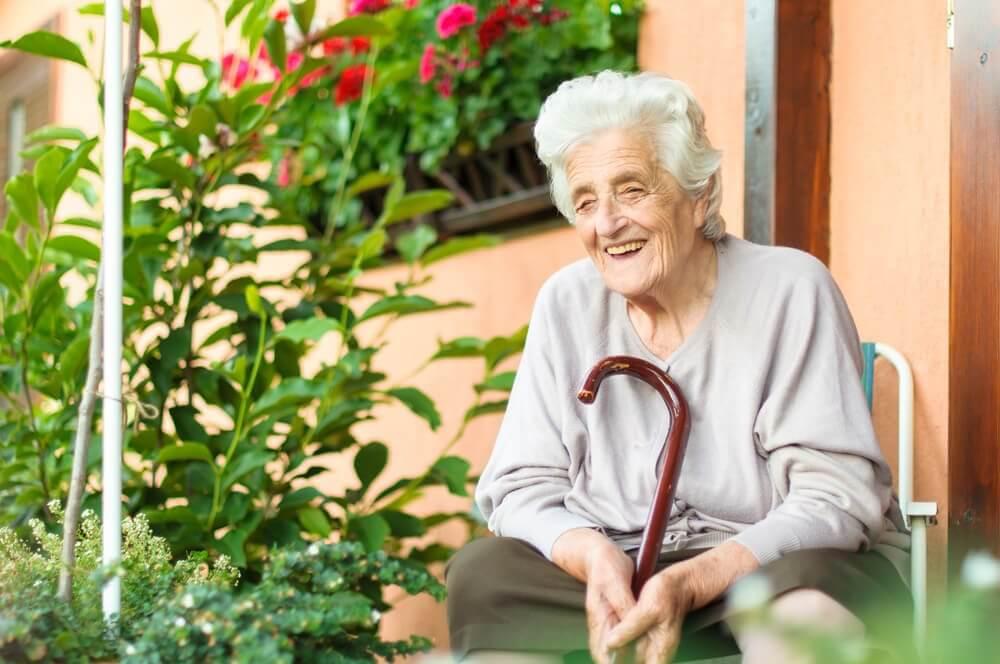 Como ajudar um idoso a superar uma doença