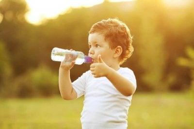 Solução de reidratação após o vômito em crianças