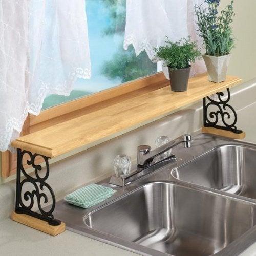 Pendure os utensílios para economizar espaço na cozinha