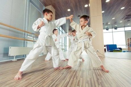 Judô é uma boa atividade extracurricular para crianças
