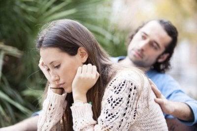 Minha mãe não aceita meu parceiro: como resolver isso?