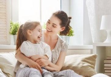 Mães superprotetoras: como evitar isso