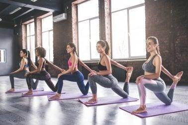 Posturas da ioga para controlar e prevenir a hipertensão