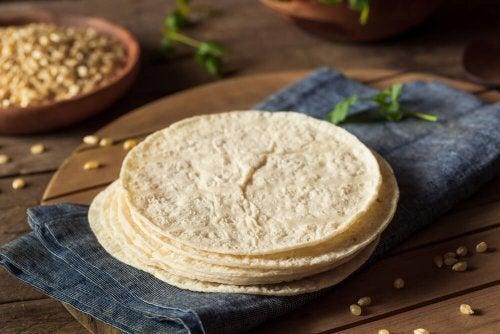 Tortilha para preparar burritos de couve-flor