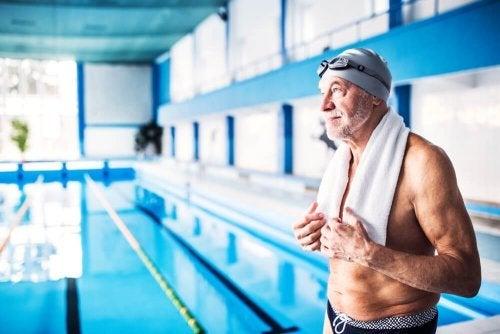 f6a4984f0 É importante usar a touca de natação na piscina  - Melhor Com Saúde