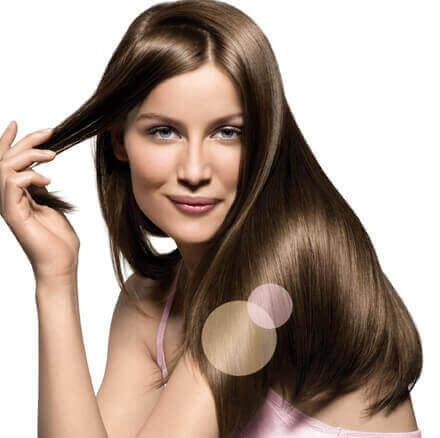 Não esfregue seu cabelo enquanto seca para ter cabelo liso e brilhante