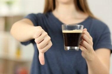 Dicas para diminuir o consumo excessivo de café
